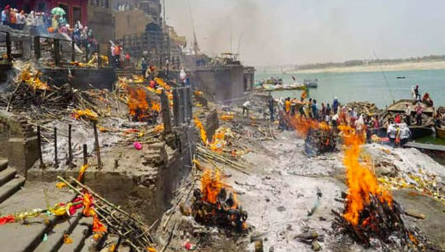 COVID19 deaths in Varanasi Govt data says 227 died last month but Manikarnika Ghat officials report 1500 cremations in one April week alone