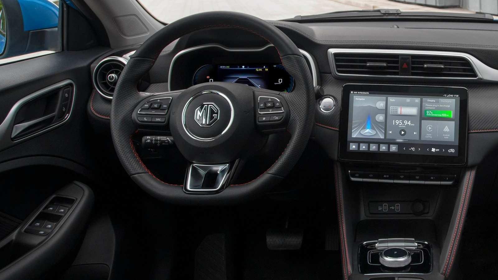 Floating 10.1-inch touchscreen and digital instruments display added to the ZS EV facelift. Image: MG