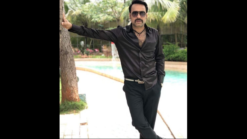 Pankaj Tripathi dons bellbottoms colourful shirts as largerthanlife actor producer in Shakeela biopic