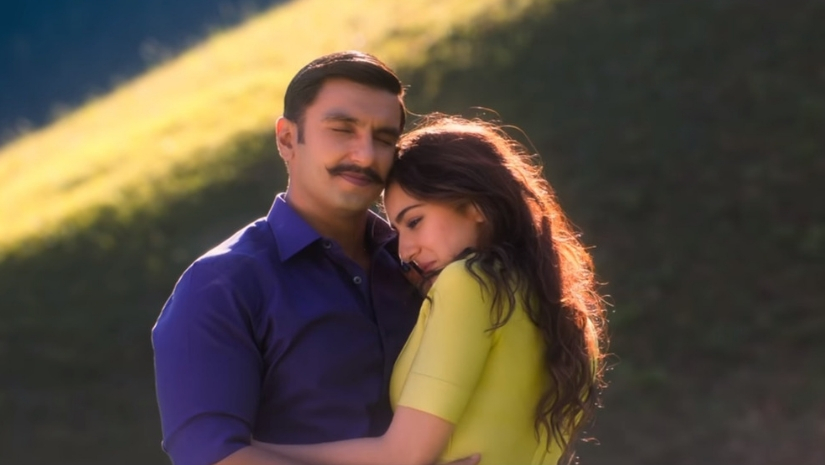 Watch Simmba song Tere Bin is a beautiful rendition of Nusrat Fateh Ali Khans original