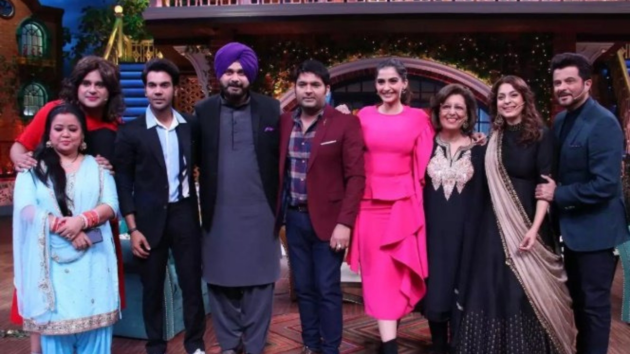 Juhi Chawla takes a dig at Kapil Sharma's newfound punctuality, dubs it 'The  Ginni Effect'-Entertainment News , Firstpost