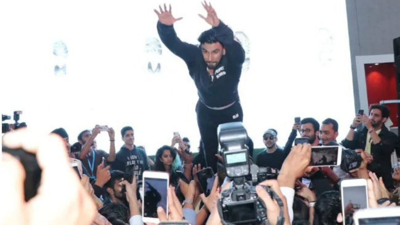 Ranveer Singh criticised for childish behaviour after his stagedive at Lakme Fashion Week reportedly injures audience