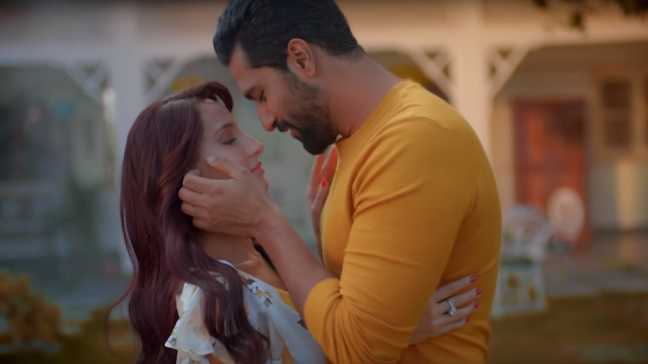 Nora Fatehi Vicky Kaushal are stuck in loveless relationship in Arijit Singhs single Pachtaoge
