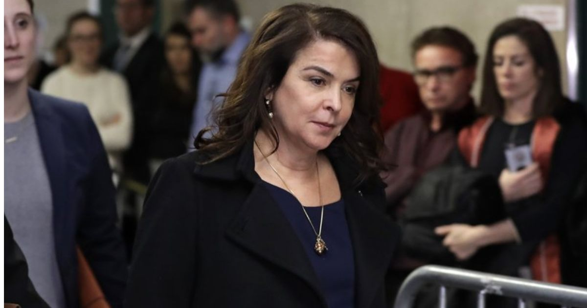 The Sopranos actress Annabella Sciorra becomes first of Harvey Weinsteins accusers to testify at his trial