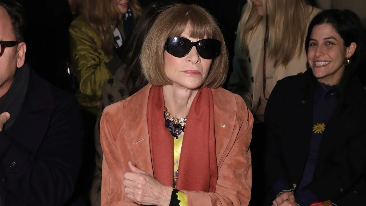 Anna Wintour apologises for not doing enough to elevate black voices at Vogue Recognising taking steps is overdue