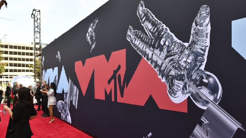 MTV VMAs aims to become first major award ceremony to occur in physical venue since coronavirus outbreak